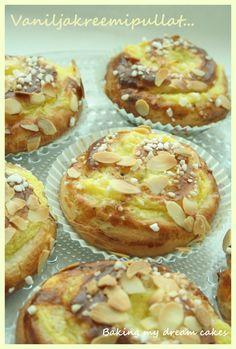 Baking my dream cakes: Kaneli- ja vaniljakreemipullat (Kanel- och vaniljkrämbullar) Baked Doughnuts, Sweet Pastries, Pastry Cake, Dessert Recipes, Desserts, Baked Goods, Tart, Food And Drink, Sweets