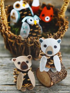 I need to make craft kits to have pieces on hand when kids come to the cabin! Felt & pinecone animals are a wonderful kid's craft for short attention spans - simply glue your felt pieces to a pinecone to make cute felt pinecone bears Crafts For Kids To Make, Diy Arts And Crafts, Christmas Crafts For Kids, Xmas Crafts, Fall Crafts, Christmas Diy, Craft Kits For Kids, Pinecone Crafts Kids, Pine Cone Crafts