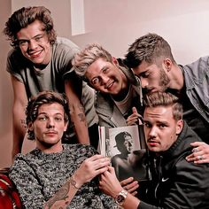 One Direction Collage, One Direction Images, One Direction Wallpaper, One Direction Harry, One Direction Humor, Niall Horan, Beautiful One Direction, One Ditection, Normal Guys
