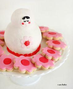 looking at cake ideas and obadiah decides we should make this babushka cake.