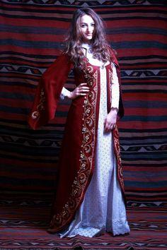 Armenian Traditional Costume (Taraz) by The Arts of Armenia Traditional Fashion, Traditional Dresses, Armenian Military, Armenian Culture, Cultura General, Folk Fashion, Women's Fashion, Dress Outfits, Women Wear