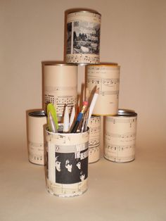 DIY : Vintage Music Desk Top Pencil Holder Tidy. £3.00, via Etsy.