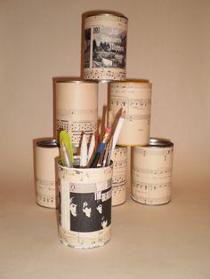 DIY : Vintage Music Desk Top Pencil Holder Tidy. £3.00, via Etsy.