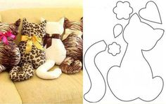 Pattern for a couture cat pillow Sewing Toys, Sewing Crafts, Sewing Projects, Craft Projects, Fabric Toys, Fabric Crafts, Cat Crafts, Diy And Crafts, Diy Pillows