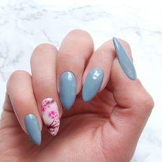 """Pastel Grey Manicure 2018/ Grey Nail Ideas/ Silver Manicure Inspirations/ Pastel Spring Nails 2018/ Pantone Colors 2018/ Dip Manicure/ Color Trends Nails 2018/ Color Street Nail Polish/ Pastelowy Szary Manicure/ Pastelowe Zdobienia Paznokci/ Stalowe Paznokcie/ Stalowa Szarość Lakier Hybrydowy/ <a href=""""https://www.neonail.pl/inspiracje/stalowa-szarosc.html?pa=10&utm_source=social&utm_medium=pinterest"""">Kliknij Po Więcej Inspiracji NeoNail</a>"""