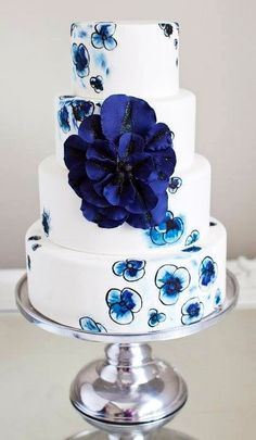 Cake of Navy and White florals