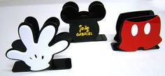 Porta Guardanapo Mickey Fiesta Mickey Mouse, Mickey Minnie Mouse, Mickey Mouse Party Decorations, Ideas Para Fiestas, Mickey Mouse Birthday, Disney Crafts, Mouse Parties, First Birthdays, Gifts