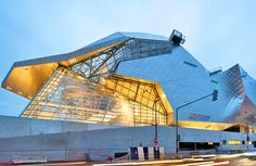 France's new Musée des Confluences looks like an interstellar spaceship, arch. Coop Himmelb(l)au