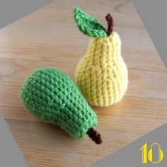 FREE Crochet Pear Pattern and Tutorial