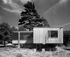 Chamberlain Cottage, Wayland MA (1942) | Walter Gropius, Marcel Breuer | Photo © Ezra Stoller