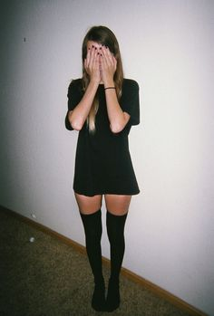 Grunge ((please can i have her legs))