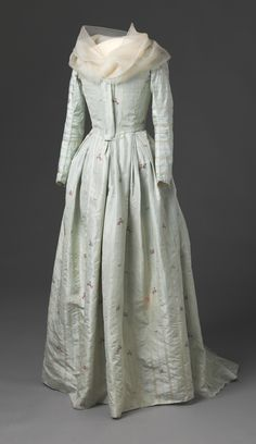 Dress 1785-1795 Nasjonalmuseet for Kunst, Arketektur, og Design