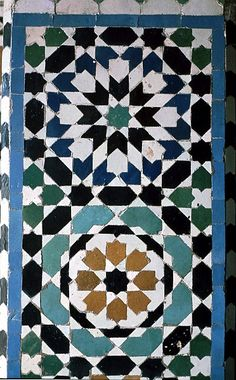 Image MOR 0719 featuring decorated area from the Tomb of Moulay Ishmael, in Meknes, Morocco, showing Geometric Pattern using ceramic tiles, mosaic or pottery.