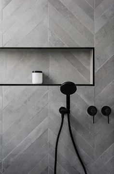 40 ideas for bath room black shower wall colors Gray Shower Tile, Black Shower, Shower Bathroom, Bathroom Ideas, Bathroom Renovations, Shower Niche, Bathroom Styling, Bathroom Inspiration, Grey Bathrooms