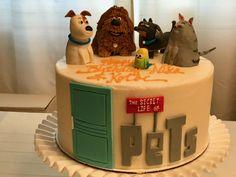 Secret Life of Pets Cake Animal Birthday, Boy First Birthday, 6th Birthday Parties, 1st Boy Birthday, Secret Life Of Pets, Animal Party, Themed Cakes, Cupcake Cakes, Fondant