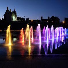 De nuit ! #nantesmiroir ! #igersnantes #igersfrance #gf_france #lvan #meshumeurstan #chateaunantes #lesphotographes #loves_france_ #puddlegram #nantesfr #nantes