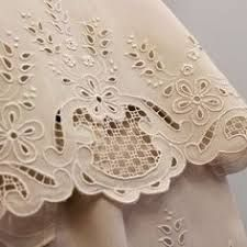 Best Ideas For Embroidery Machine Monogram Link Cushion Embroidery, Cutwork Embroidery, Embroidery Fashion, Hand Embroidery Patterns, White Embroidery, Lace Patterns, Machine Embroidery Designs, Lace Beadwork, Linens And Lace