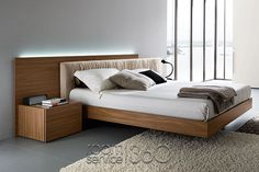 Edge Italian Platform Bed by Rossetto #18656