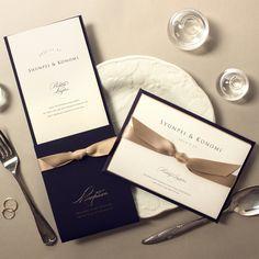 結婚式演出アイテムFavori&FavoriクラウドさんはInstagramを利用しています:「#favori . 新商品のご紹介・・・ クチュールタイプ「Jane(ジェーン)」招待状・席次表 . マットな質感で高級感あふれるネイビーカラーのカバー とゴールドのサテンリボンで上品な輝きを放つ美しい仕上がり!! 最高の一日にふさわしい最高級の席次表です。 .…」 Wedding Table, Wedding Reception, Invitation Cards, Wedding Invitations, Table Setting Design, Album Design, Wedding Images, Celebrity Weddings, Packaging Design