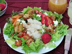 Chef Salad with Strawberry Croutons #SundaySupper with #FLStrawberry @Flastrawberries