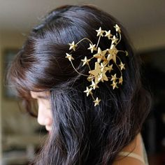 The days of boring hair are officially over. Get inspired to never leave your house with naked hair ever again with these 40 amazing hair accessories you can buy or DIY! Hair Brooch, Star Hair, Hair Starting, Barrettes, Elastic Hair Bands, Diy Hair Accessories, Ear Headbands, Hair Jewelry, Diy Hairstyles