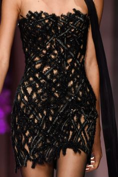 Atelier Versace at Couture Fall 2015 - Atelier Versace at Couture Fall (Details) - Atelier Versace, Couture Fashion, Runway Fashion, High Fashion, Fashion Beauty, Fall Fashion, Versace Fashion, Vestidos Versace, Mode Outfits
