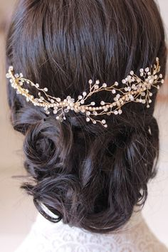 """Percy Handmade: """"versatile little piece that can be worn at the front along the hair line, towards the side or perhaps even across a bridal bun from behind"""""""
