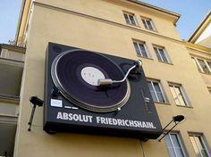 Absolut Vodka Bar Berlin ~Technic 1210 on wall Home Music, Dj Music, Vinyl Record Shop, Vinyl Records, Record Art, Arduino, Vinyl Cafe, Orange Monkey, Monitor