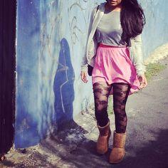 Visit my blog and view the last post  thelookofthedayaudi.blogspot.mx    #fashionblog #fashionblogger #fashion #streetstyle #streetfashion #styleblog #blogger #style #styles #pink #skirt #cardigan #aeropostale #pullandbear #uggboots #ru2 #cozy #emiliocavallini #mexicanblogger #tlotdaudi #thelookofthedayaudi #tagsforlikes #photooftheday
