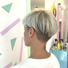 26 Taper Fade Haircut Women for the Boldest Change of Image Undercut Hairstyles Women, Short Hair Undercut, Choppy Bob Hairstyles, Short Hairstyles For Women, Girl Hairstyles, Shaved Hairstyles, Pixie Haircuts, Short Grey Hair, Short Hair Cuts For Women
