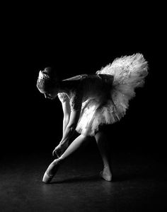I studied dance and Ballet especially for 10 years. I thought I was going to be a ballerina until I grew too tall. I'm still a dancer at heart. Art Ballet, Ballet Dancers, Ballerinas, Bolshoi Ballet, Foto Portrait, Ballet Photography, Creative Dance Photography, Artistic Photography, Fred Astaire