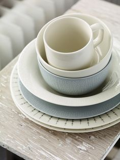 Iittala | Sarjaton | sophisticated forms together with the calmness of white