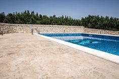 9 Bordo piscina / Roccia naturale