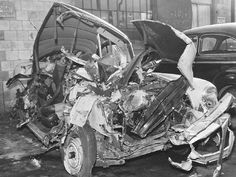 Auto damage and repair Old Vintage Cars, Antique Cars, Vehicle Repair, Car Repair, Old Police Cars, Abandoned Cars, Car Crash, My Ride, Classic Cars
