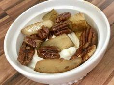 Yoghurt met geroosterde peer – Judoka Margriet Bergstra Oven, Pork, Bread, Breakfast, Kale Stir Fry, Morning Coffee, Brot, Ovens, Baking