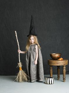 Mer Mag: Halloween Costumes simple witch costume.
