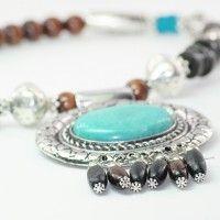 $15 Necklace & earnings set
