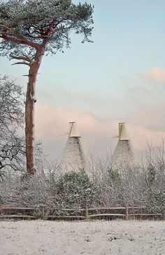 The Oast Houses in the snow. Oast Houses were used to dry hops for the beer-making industry. Kent England, England And Scotland, Hops Trellis, Canterbury England, British Countryside, English Country Gardens, Winter Magic, East Sussex, British Isles