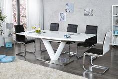"""Der beeindruckende Esstisch """"VICTORY"""" besticht durch seine hochwertige und universal einsetzbare Tischplatte mit Highgloss Finish. Sie brauchen mehr Platz? Kein Problem! Im Handumdrehen lässt sich der Tisch kurzerhand auf eine Länge von 220 cm vergrößern. Die vorhandenen Einlegeböden innerhalb des Tisches, lassen sich ganz individuell einsetzen und machen diesen Tisch zum idealen Begleiter für größere Sitzrunden."""