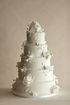 Wedgewood White Wedding Cake