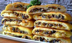 Bramborové bochánky plněné houbami Healthy Crockpot Recipes, Vegetarian Recipes, Snack Recipes, Snacks, Veggie Dinner, Best Street Food, Food Festival, Kitchen Recipes, Holiday Recipes
