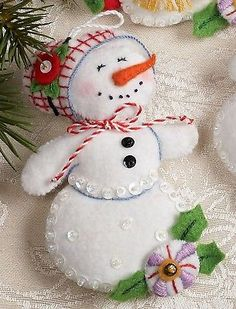 Bucilla Let It Snowman 6 Piece Felt Christmas Ornament Kit 86186 Frosty Lady Felt Christmas Decorations, Christmas Ornaments To Make, Christmas Sewing, Noel Christmas, Felt Ornaments, Handmade Christmas, Beaded Ornaments, Glass Ornaments, Ornament Crafts