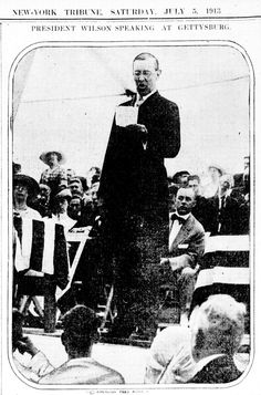 President Wilson delivering an address to the Civil War veterans gathered at #Gettysburg in 1913.
