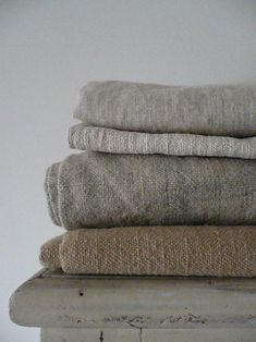 Linen shades for slipcovers Linen Fabric, Linen Bedding, Hemp Fabric, Bed Linen, Wabi Sabi, Textiles, Linens And Lace, Farmhouse Chic, Towel Set
