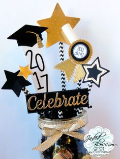 Creative Side Hustle: Cricut Projects to Sell - This Hustle Graduation Desserts, Graduation Crafts, Graduation Party Centerpieces, Grad Party Decorations, Graduation Party Planning, Graduation Party Decor, Grad Parties, Graduation Ideas, Nursing Graduation