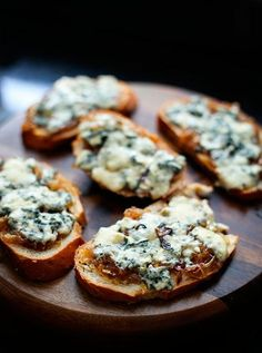 Finger Food Appetizers, Appetizer Recipes, Easy Cooking, Cooking Recipes, Bruschetta, Good Food, Yummy Food, Salty Foods, Food Platters