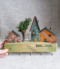 Wooden Art, Wooden Crafts, Woodworking Projects Diy, Wood Projects, Small Wooden House, Doll Home, Wood Scraps, Diy Deck, Art Carved