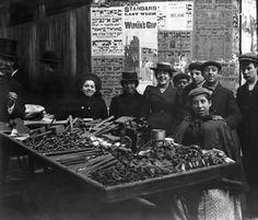 Petticoat Lane 1900