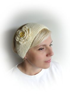 This beautiful hand knitted headband with big crochet flower for women, teens or girls made with soft acrylic yarn. Headband has wooden buttons.    *