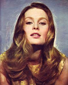 young Beata Tyszkiewicz, a Polish actress Culture Pop, Cinema Actress, Meryl Streep, Timeless Beauty, Vintage Beauty, Bombshells, Actors & Actresses, Persona, Mona Lisa